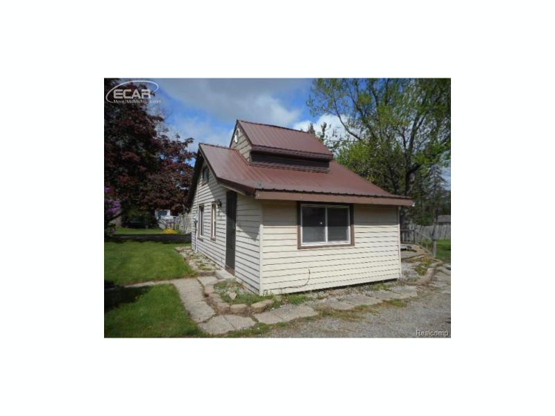 508  Hampton Ave St,  Owosso, MI 48867 by American Associates Inc. $17,820