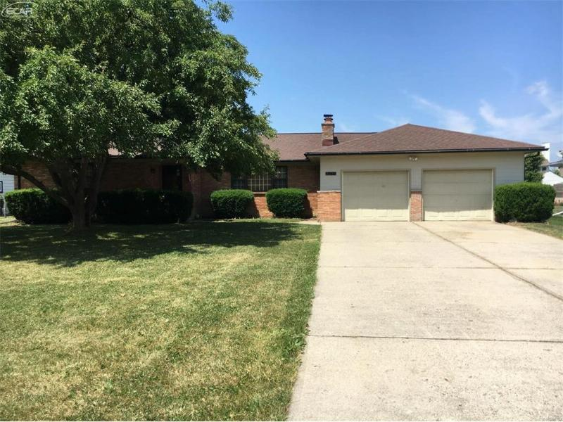 5471 Tipperary Lane Flint, MI 48506 by Remax Select $115,000