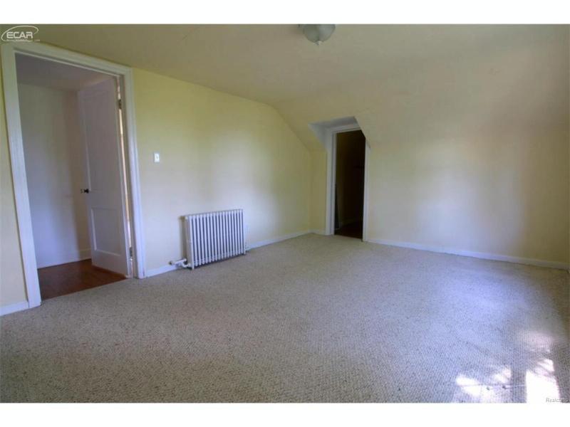 6080  Hill Rd,  Swartz Creek, MI 48473 by Remax Select $109,900