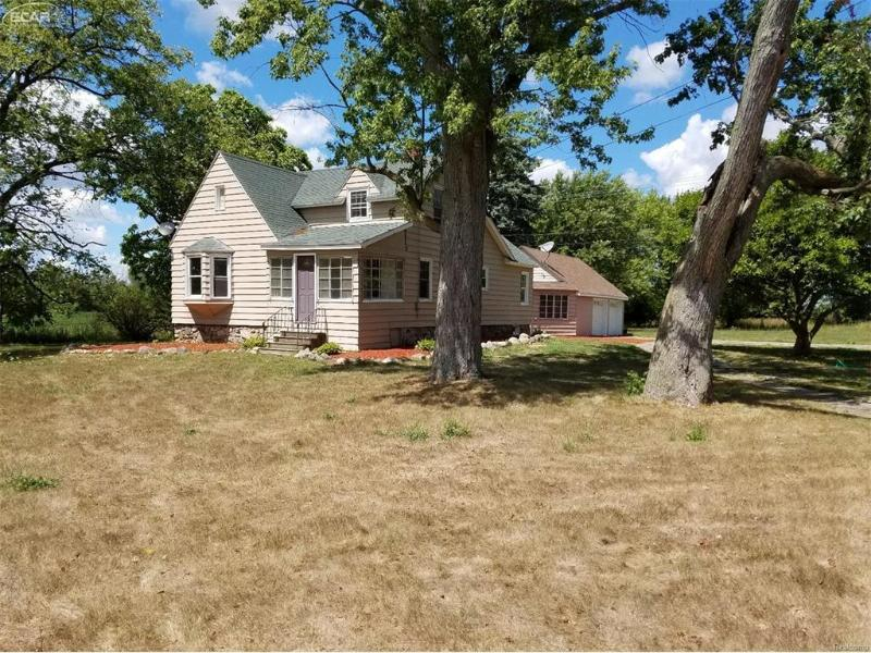 6080  Hill Rd,  Swartz Creek, MI 48473 by Remax Select $104,900