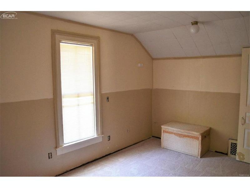 402 N Mckinley Rd,  Flushing, MI 48433 by Real Living Tremaine Real Estate.com $150,000