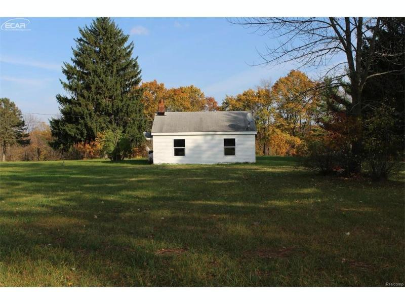 10512  Seymour Rd,  Montrose, MI 48457 by Remax Town & Country $59,900