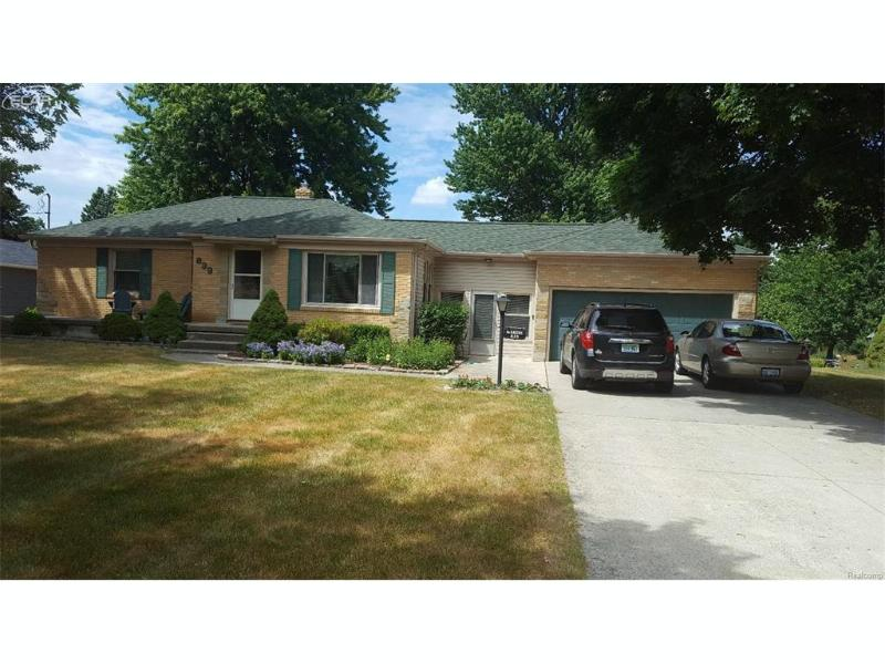 839 Coutant Street Flushing, MI 48433 by Century 21 Woodland Realty $114,900