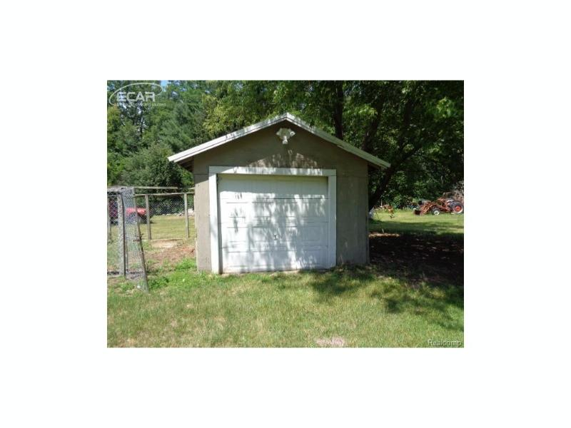 9445  Dixie Hwy,  Birch Run, MI 48415 by Remax Right Choice $47,500