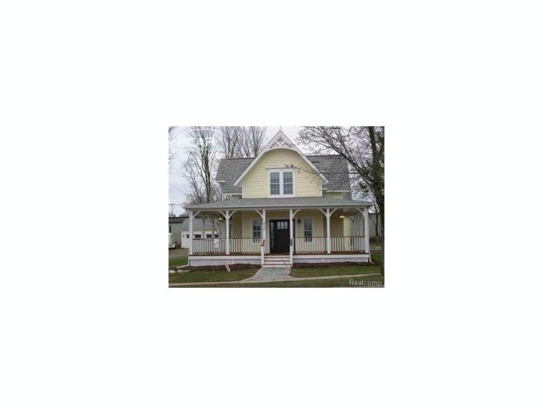 415 W Main St,  Flushing, MI 48433 by Remax Town & Country $2,000
