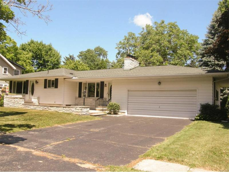 9425  Butternut St,  New Lothrop, MI 48460 by Remax Tri County $92,500