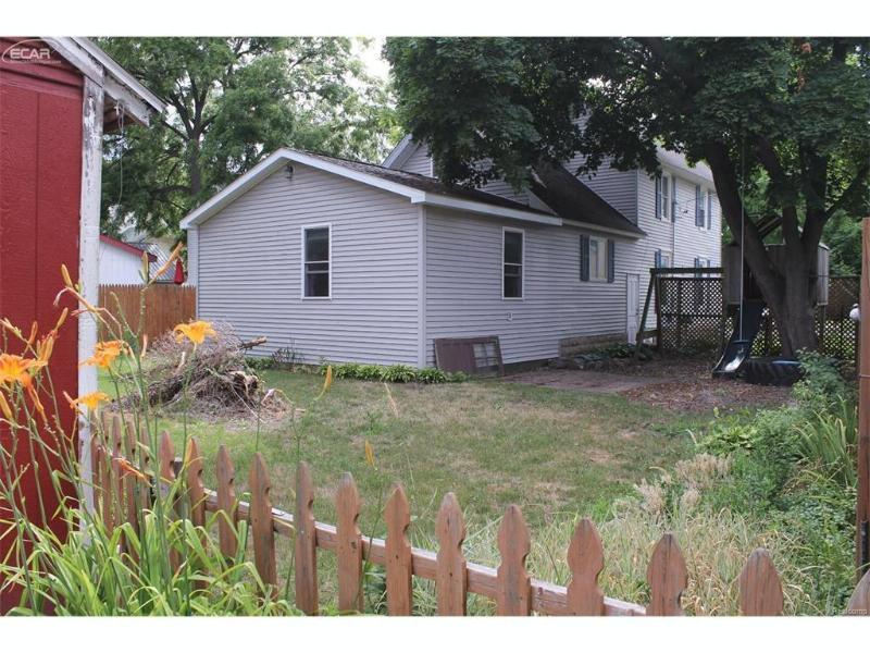 417  Huggins St,  Owosso, MI 48867 by Remax Tri County $65,900