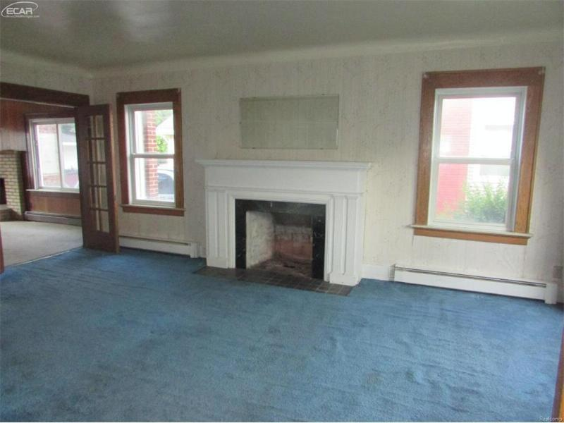 830 E 8th St,  Flint, MI 48503 by Remax Grande $19,900