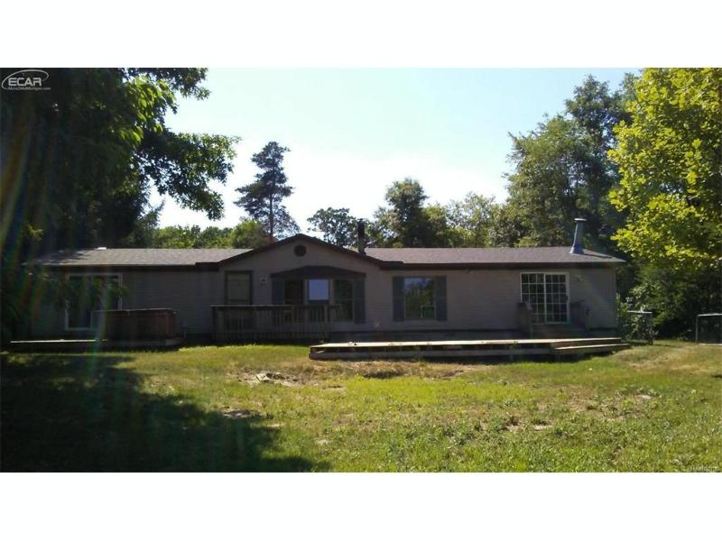 1015  Old Leake Ct,  Holly, MI 48442 by Five Lakes Real Estate $99,900