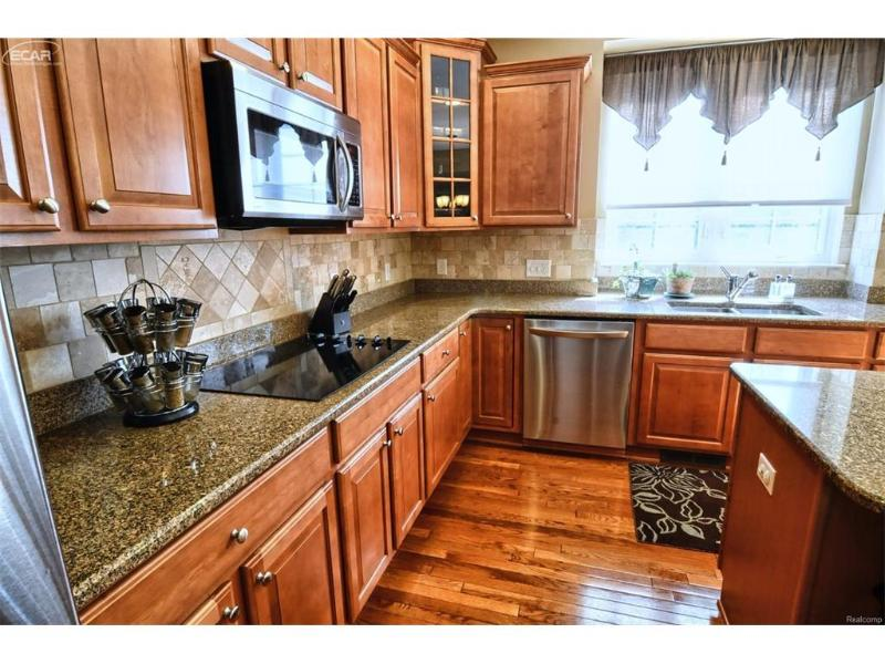 6333  Moonstone Dr,  Grand Blanc, MI 48439 by Remax Platinum Fenton $325,000