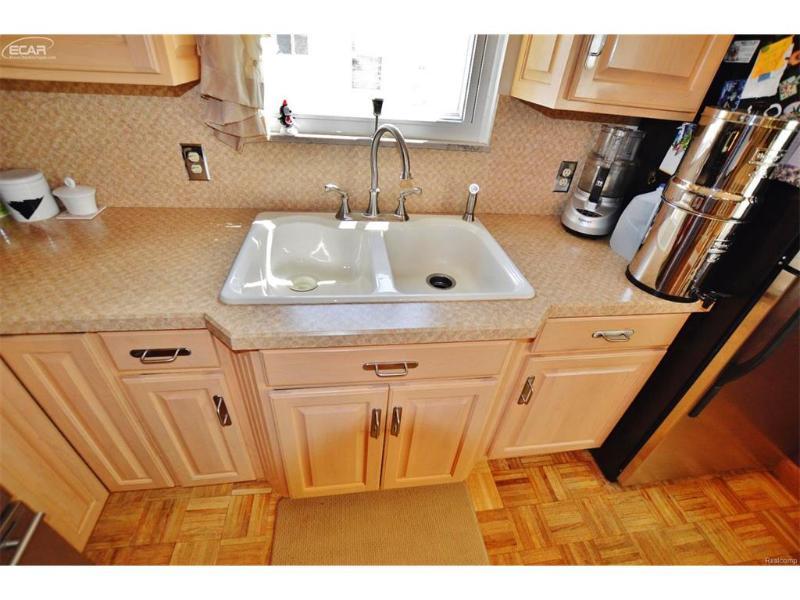2014  Gold Ave,  Flint, MI 48503 by Remax Grande $97,000