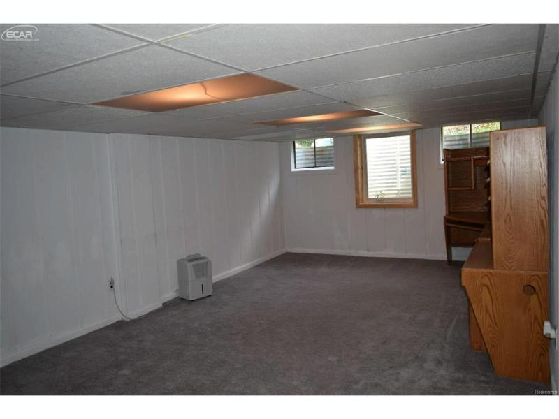 408  Balsam Dr,  Davison, MI 48423 by American Associates Inc. $115,000