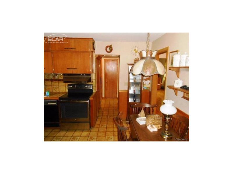 929  Iola Ct,  Flushing, MI 48433 by Century 21 Woodland Realty $129,900