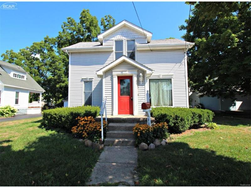 111  Elm St,  Flushing, MI 48433 by Lucy Ham Group Inc $86,900