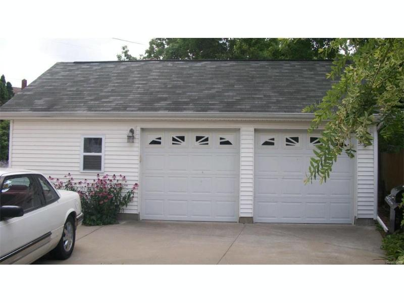 2006  Mountain Ave,  Flint, MI 48503 by Swadling Realty $99,900
