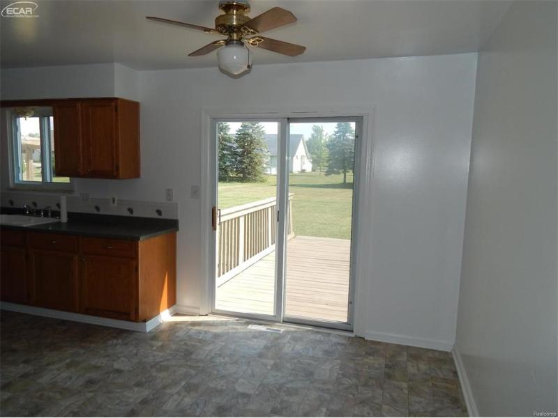8061 Carpenter Road Flushing, MI 48433 by Remax Town & Country $109,900