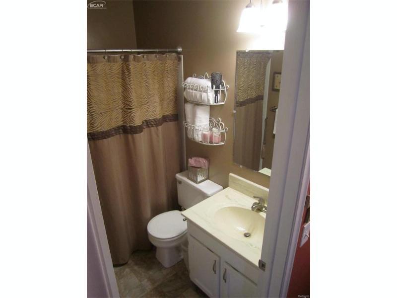 1416  Cedarwood Dr,  Flushing, MI 48433 by Berkshire Hathaway Homeservices Michigan Real Esta $89,777