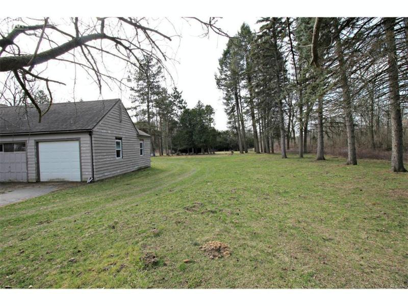 3394 E Carpenter Road Flint, MI 48506 by Lucy Ham Group Inc $69,900