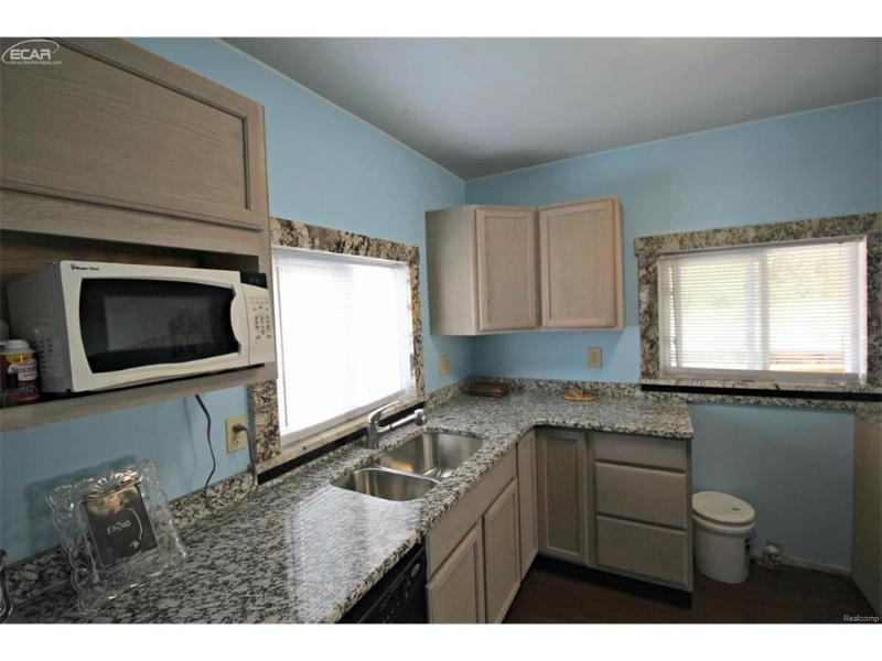 4009  Flushing Rd,  Flint, MI 48532 by Lucy Ham Group Inc $38,900