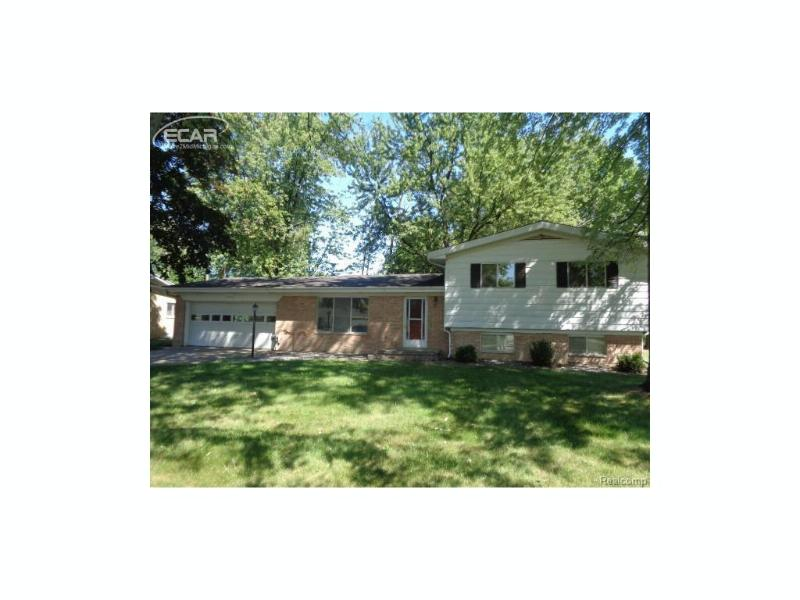 4384 Clement Drive Saginaw, MI 48603 by Remax Right Choice $99,000