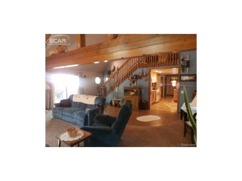 825  Golfview,  Roscommon, MI 48627 by Lucy Ham Group Inc $184,900