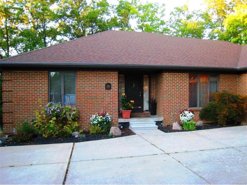 7388  River Rd,  Flushing, MI 48433 by American Associates Inc $319,900