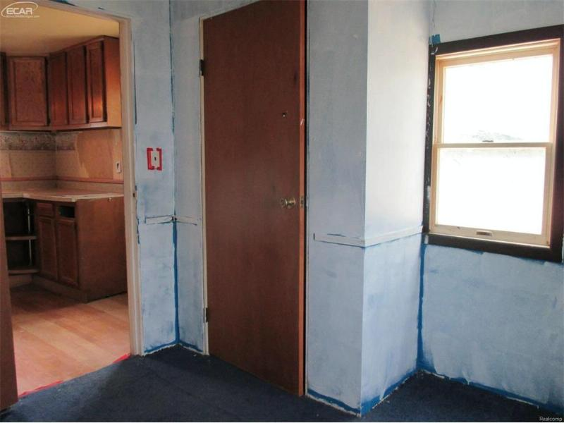 5157 Brobeck Street Flint, MI 48532 by Inca Realty Llc $8,550