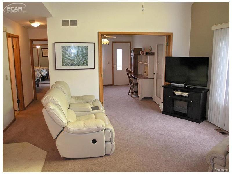 4465  Colony Ct,  Swartz Creek, MI 48473 by Remax Grande $99,900