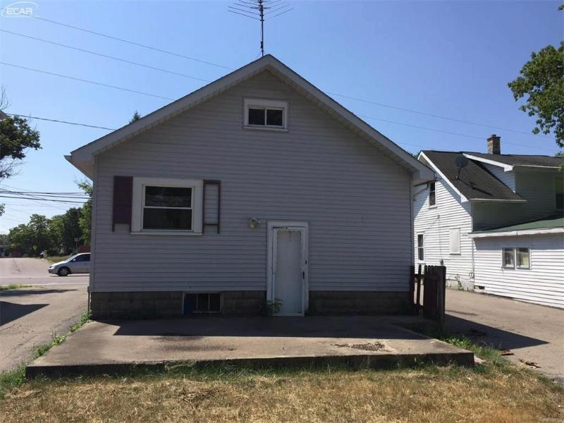 2502  Corunna Rd,  Flint, MI 48503 by Gebrael Management $12,500