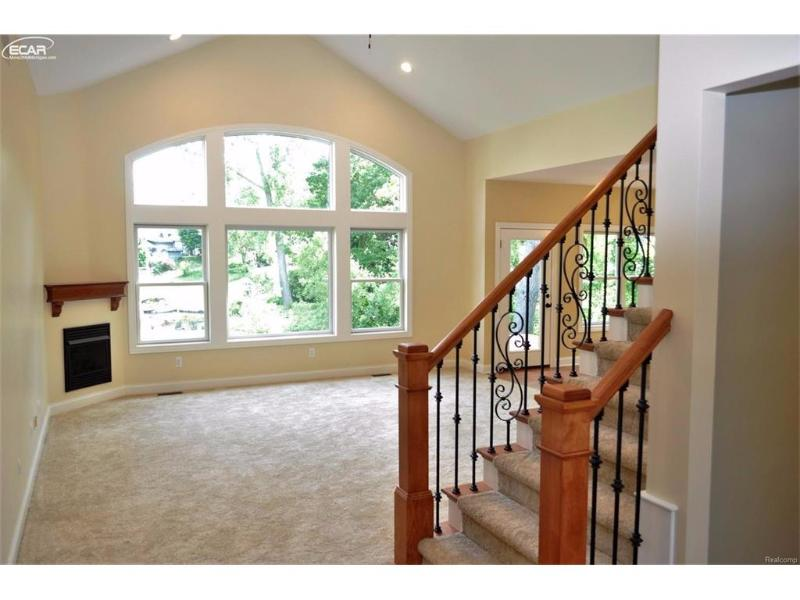 4208 Bay Shores Drive Waterford Township, MI 48329 by Changingstreets.com $3,200