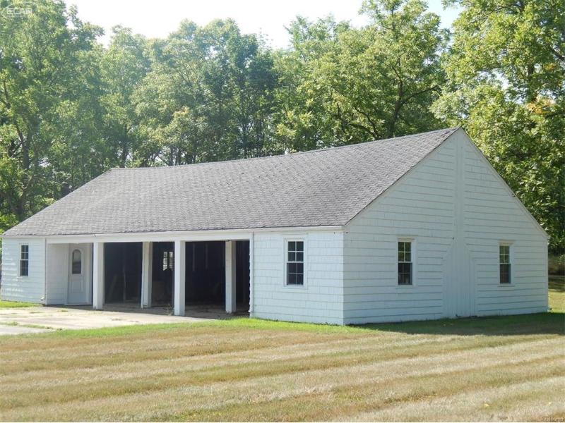 7511  River Rd,  Flushing, MI 48433 by Remax Town & Country $149,900