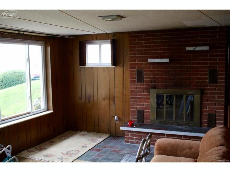 5224  Durnham Dr,  Waterford, MI 48327 by Remax Town & Country $319,900