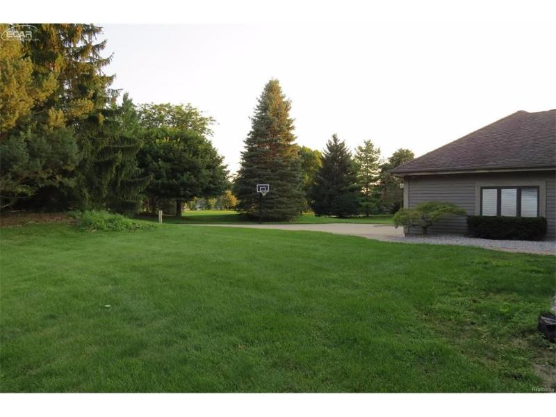 7905 E Curtis Rd,  Frankenmuth, MI 48734 by Berkshire Hathaway Homeservices Michigan Real Esta $425,000