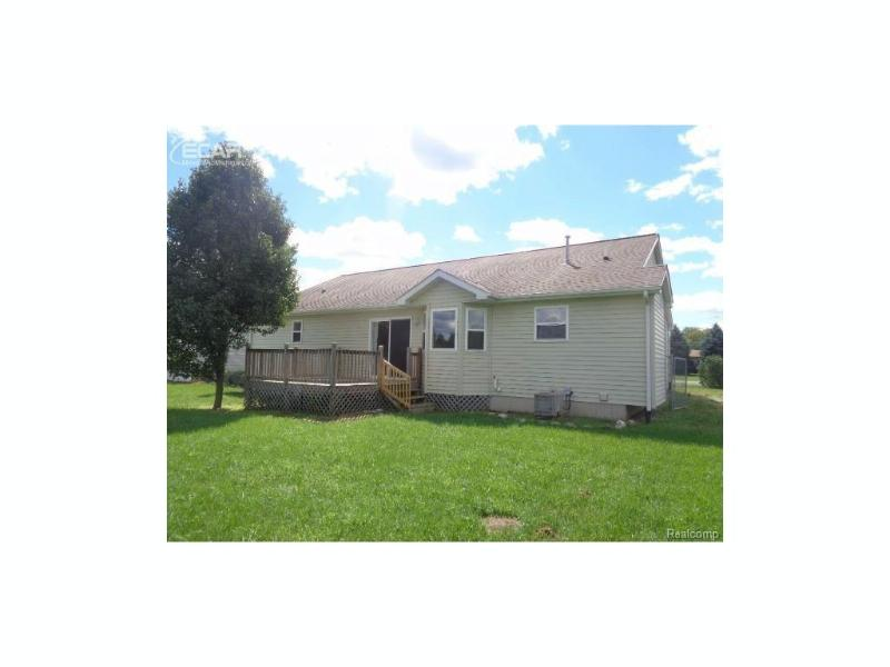 7414 W Mount Morris Rd,  Flushing, MI 48433 by Remax Right Choice $113,500