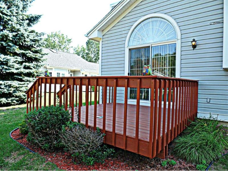 6350  Squire Lake Dr,  Flushing, MI 48433 by Remax Grande $137,900