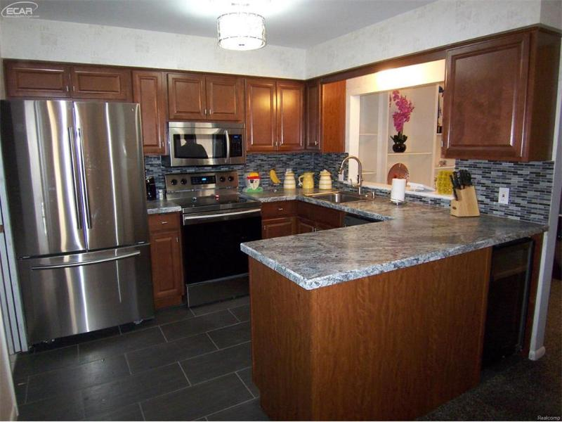 1454 Beaumont Circle Flushing, MI 48433 by Century 21 Woodland Realty $114,650