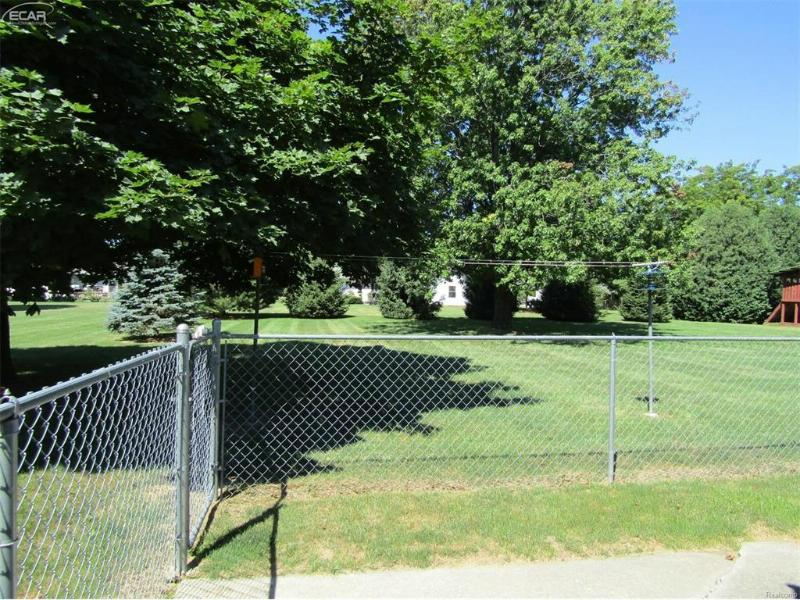 2279 Osprey Drive Lapeer, MI 48446 by Remax Select $136,900
