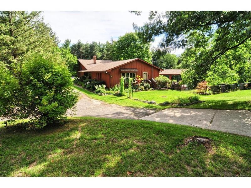 6323  Mack Rd,  Howell, MI 48855 by Remax Platinum Fenton $274,999