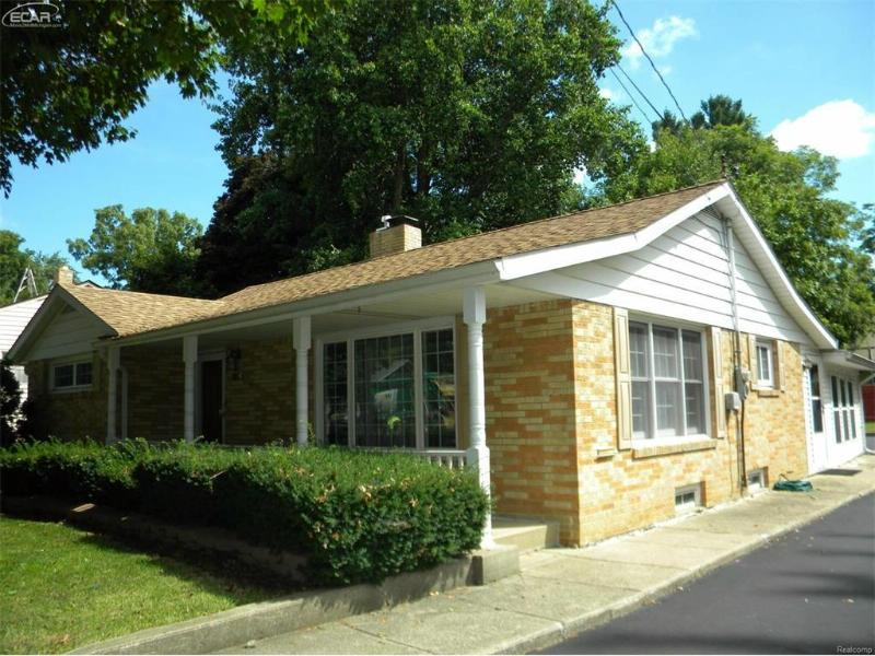 1116 N Ball St,  Owosso, MI 48867 by Map Realty Llc $119,900