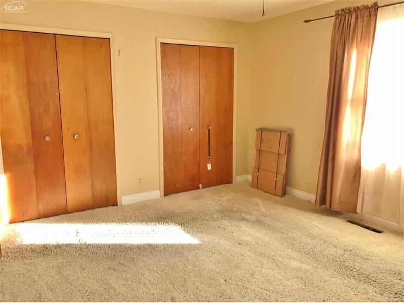 5029  Shady Oak Trl,  Flint, MI 48532 by Remax Real Estate Team $124,900