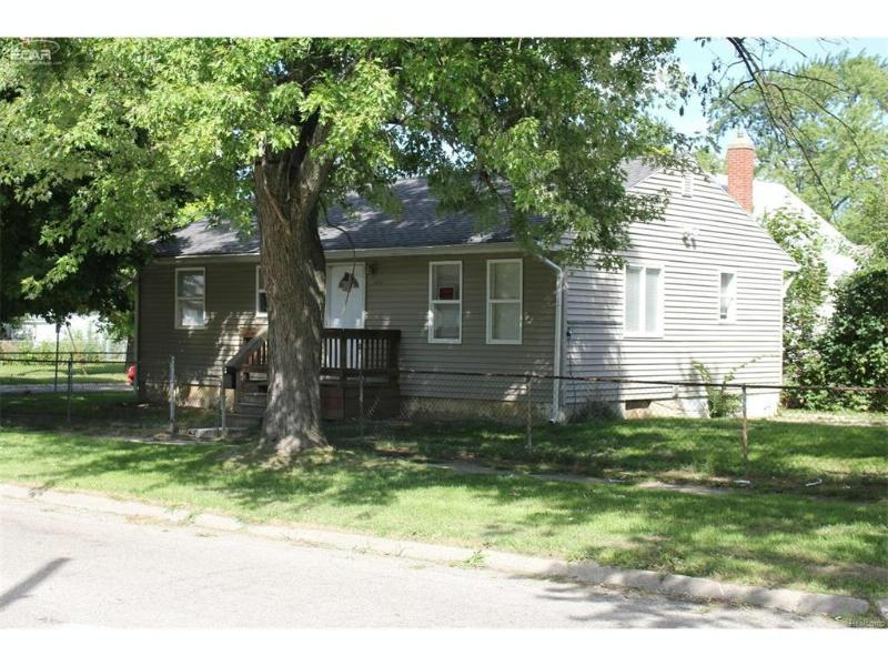 1414 N Vernon Ave,  Flint, MI 48506 by Remax Select $12,900