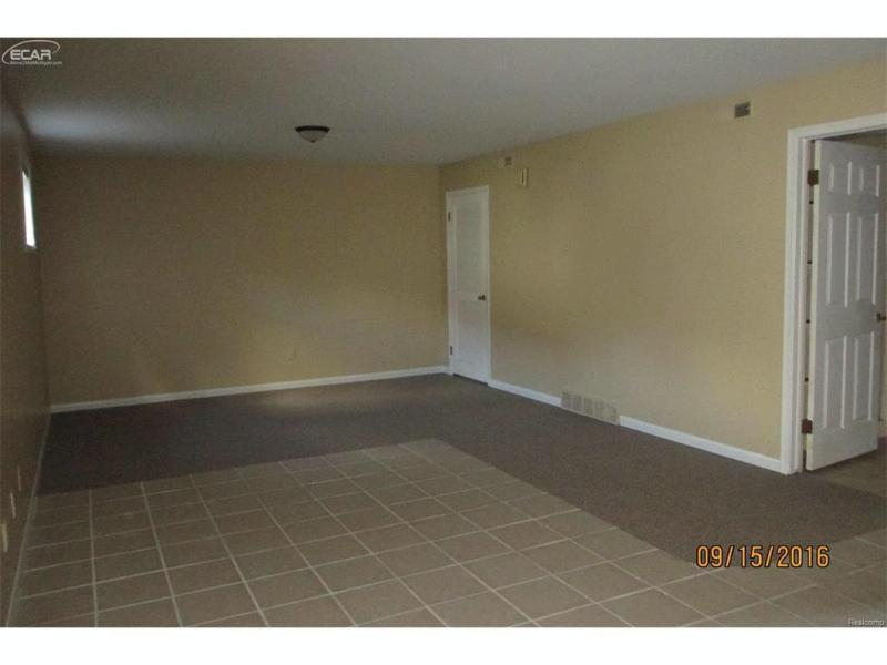 556  Oakbrook Cir,  Flushing, MI 48433 by Century 21 Woodland Realty $85,723