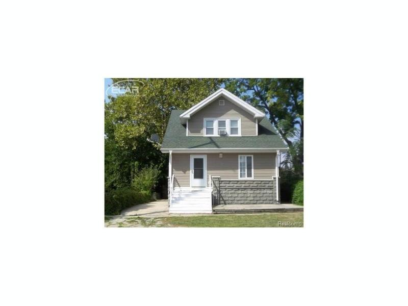 108 S Oak St,  Owosso, MI 48867 by The Home Office Realty Llc $43,999