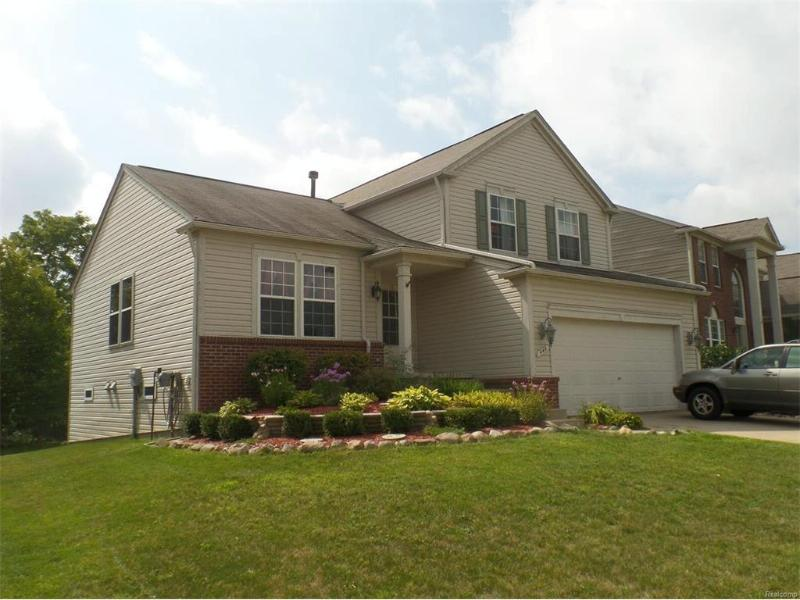444  Otter Run Rd,  Holly, MI 48442 by Remax Grande $199,500