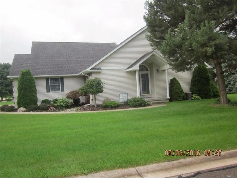 4081 Squire Hill Drive Flushing, MI 48433 by Signature Real Estate $109,999