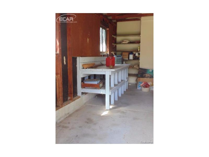 4330  Sheridan Rd,  Flushing, MI 48433 by Remax Select $324,500