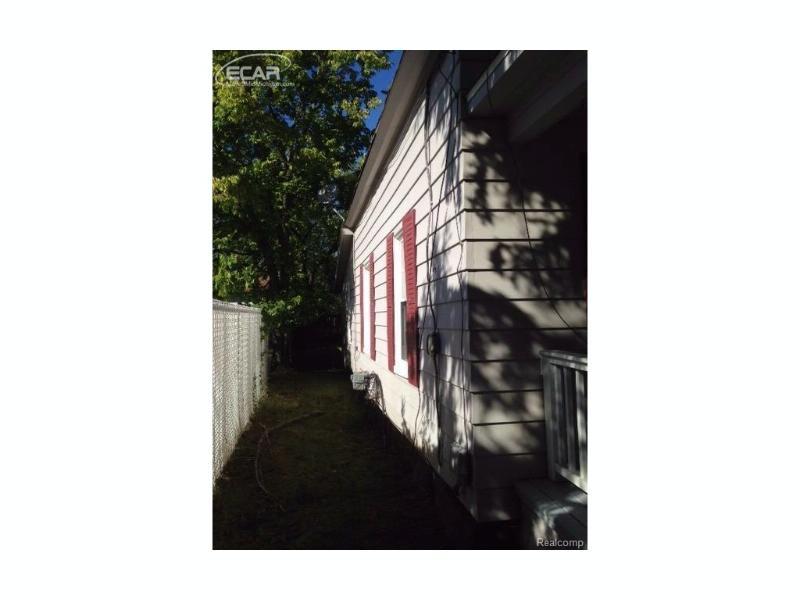 117 E Maple Street Montrose, MI 48457 by Signature Real Estate $28,500