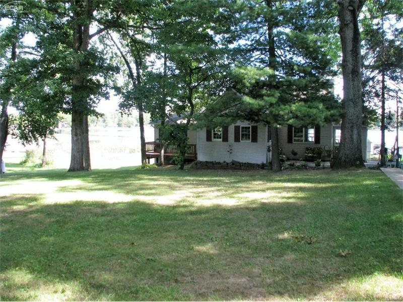 373  Lou Alice Dr,  Columbiaville, MI 48421 by Remax Grande $234,900