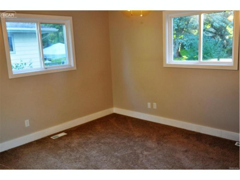 5184  Applewood Dr,  Flushing, MI 48433 by Changingstreets.com $129,900