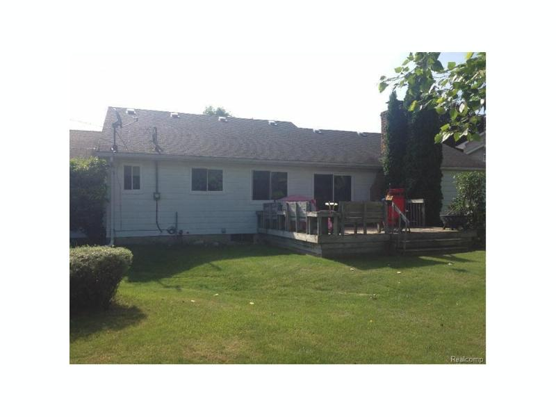 450  Windmill Point Dr,  Flushing, MI 48433 by Century 21 Woodland Realty $121,000